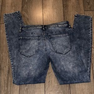 Refuge Acid-Wash Jeans size 4